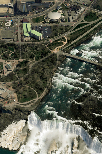 The Turtle site and Niagara Falls